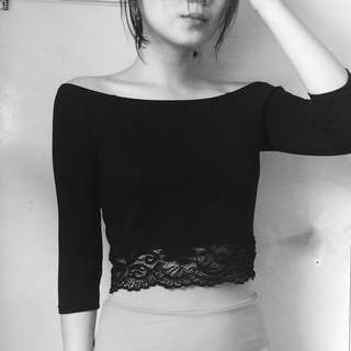 Factorie Off The Shoulder Three Quarter Sleeve Lace Crop Top