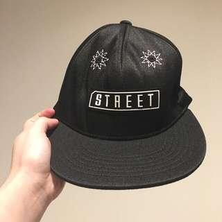 STREET SNAPBACK