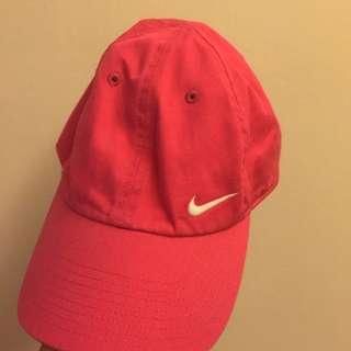 Nike桃粉老帽