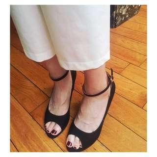 繞踝涼鞋 一字涼鞋 黑色涼鞋