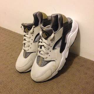 *PRICE DROP* Nike Air Huarache - Wolf Grey/grey
