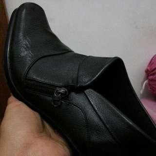 Pantofel Boots Nikolain Unlimited