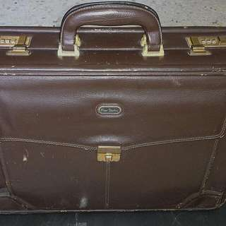 VINTAGE PIERRE CARDIN PARIS BRIEFCASE BAG
