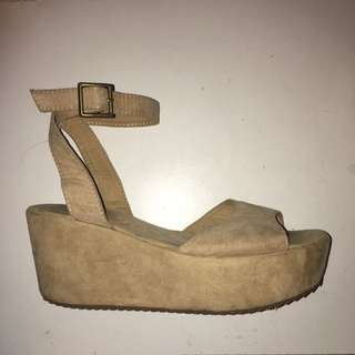 Size 9 Tan Platform Shoes