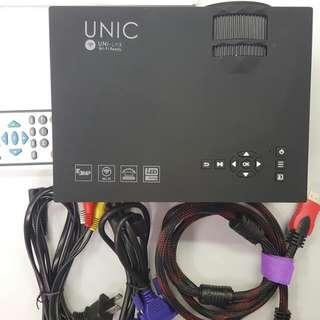 UNIC UC46 Portable LED Projector