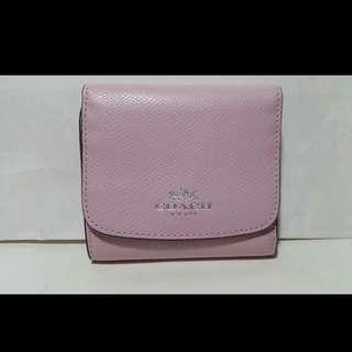 Coach 短皮夾 粉色系列🌸, 只有一個🌿, 價格:$1990含運 附購物證,袋子!
