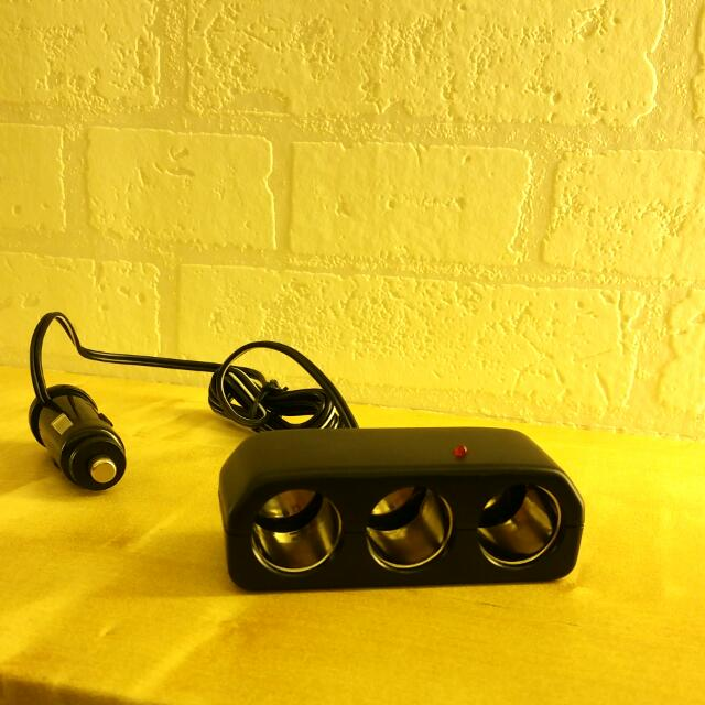 免運 含運 車用  點菸器 擴充座 一孔轉三孔 充電器 三孔 車充 一對三 1對3