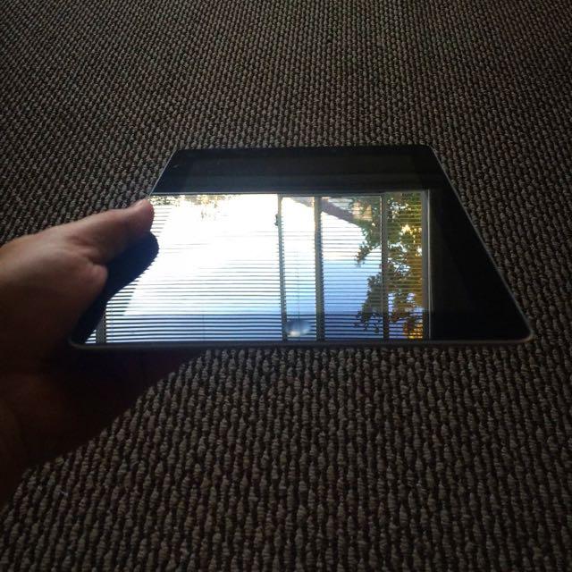 *** iPad 4th 32GB + LTE(4G) unlocked RETINA- like new ***