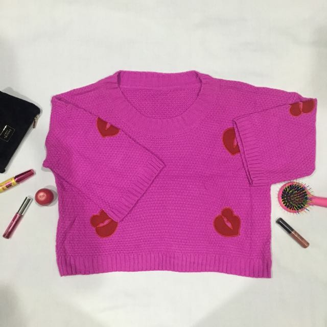 Croptee Lips Sweater