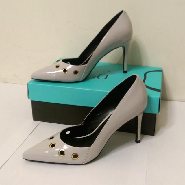 [上班族二手拍賣]Daphne達芙妮圓漾系列氣質高跟鞋