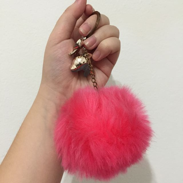 Gantungan Kunci Bulu / Furr Ball Keychain