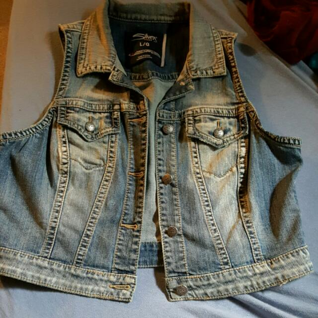 Jean Vest  Brand: silver  Size: large  Hardly Worn.