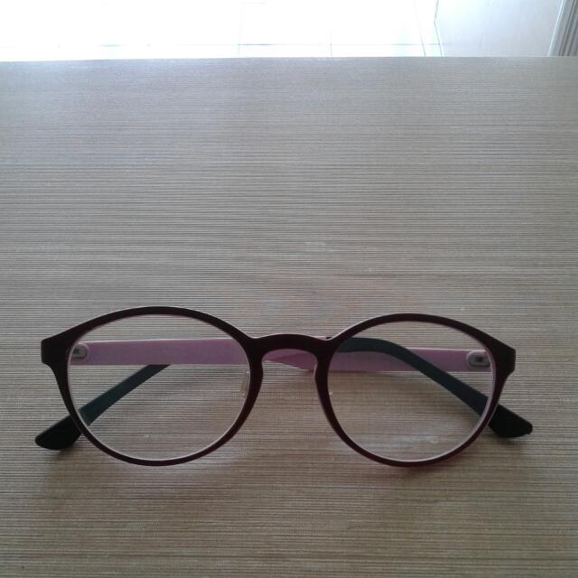 Kacamata Minus 1,75
