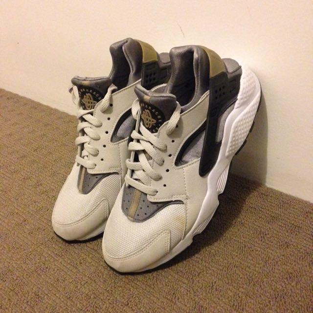 8395f5f8e5ba  PRICE DROP  Nike Air Huarache - Wolf Grey grey