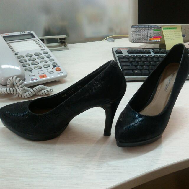 Prima Classe High Heels