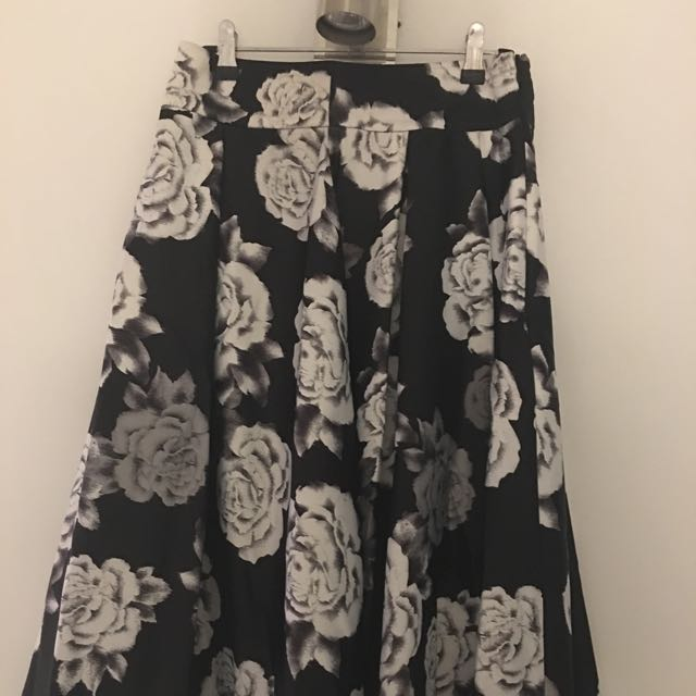 Review floral silk skirt