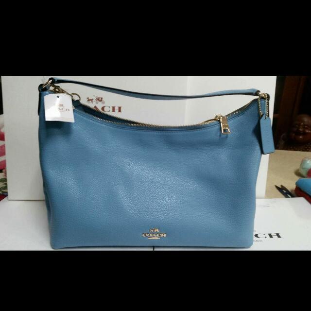 SNOOPY 中牛角包(土耳其藍) 超級特價$4100含運| 只有一個! 附購物證,袋子,盒子! 全新售出不退!