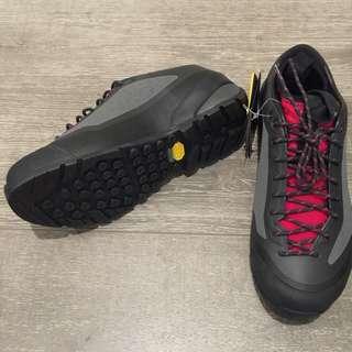 Arcterxy Shoes