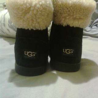 Ugg Boots( Short) Size 9