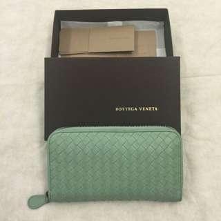 約9成新 Bottega Veneta BV 小羊皮淺綠色拉鍊長夾