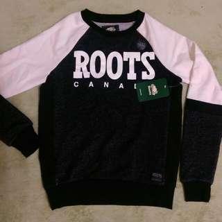 Roots大學棉T 加拿大帶回