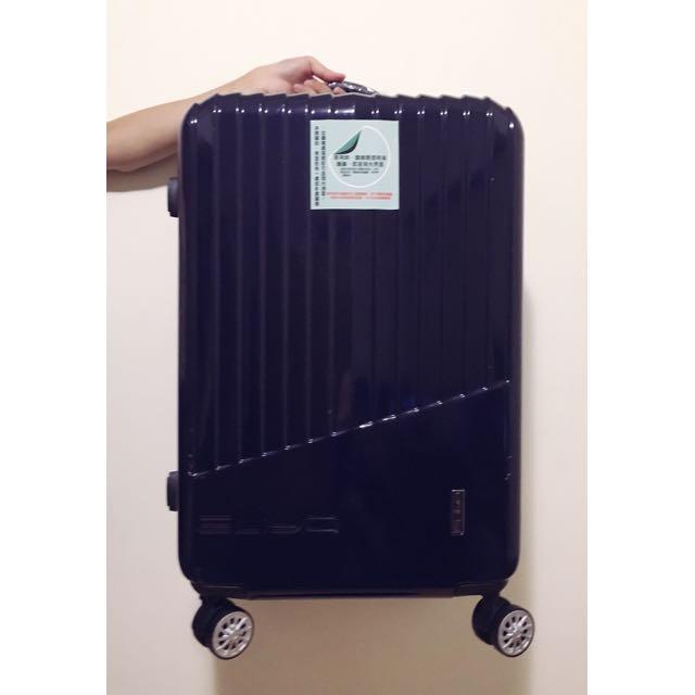全新 24寸海軍深藍行李箱
