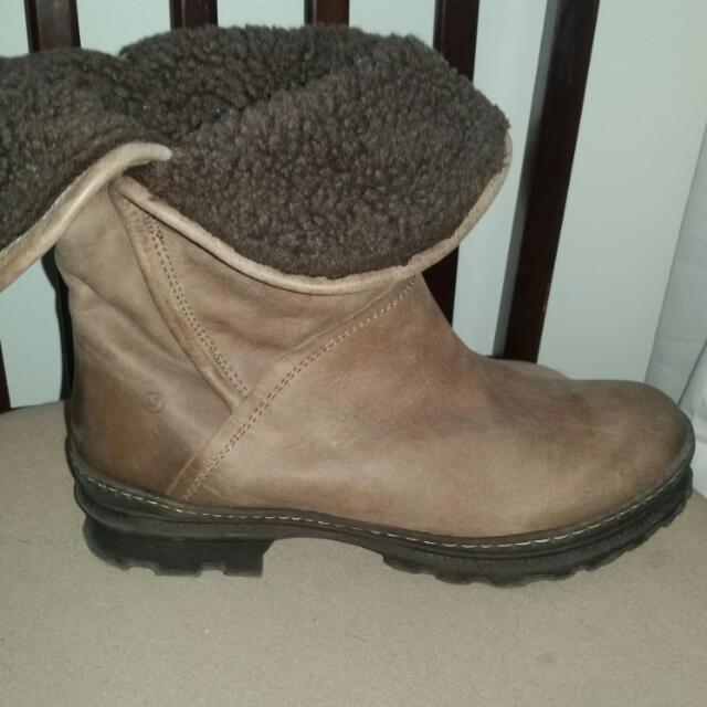 67 Brown Leather Boots