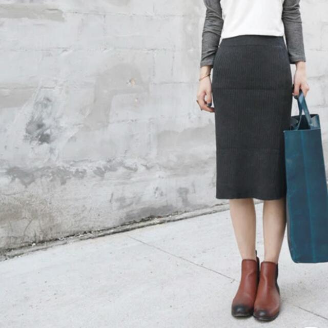 (全新)厚針織窄裙(卡其色)
