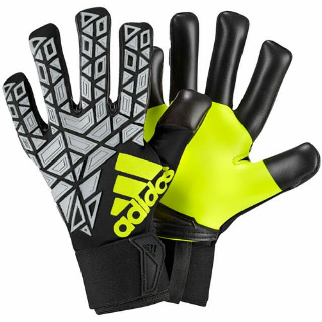 more photos aed7a 9acd4 Adidas Ace Transition Pro Goalkeeper Gloves, Sports, Sports ...