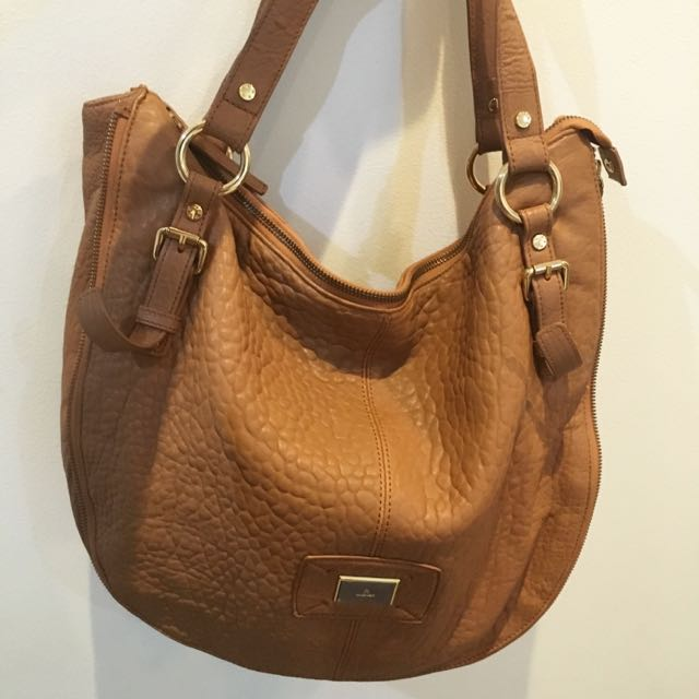 Aigner Hobo Bag In Pebbled Leather