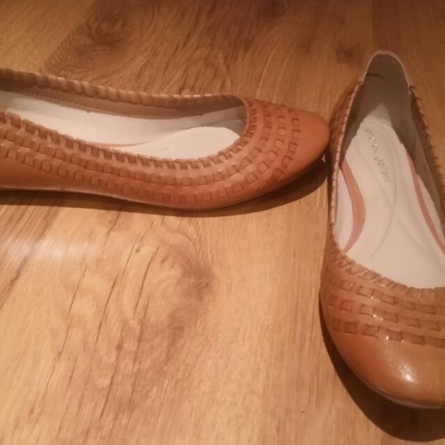 Andrew Geller Leather Flats