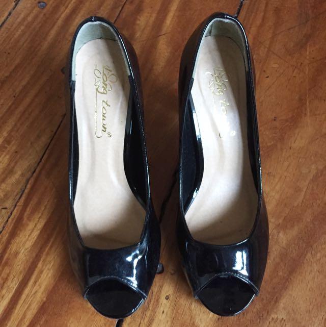 Long Town Heels (Black)