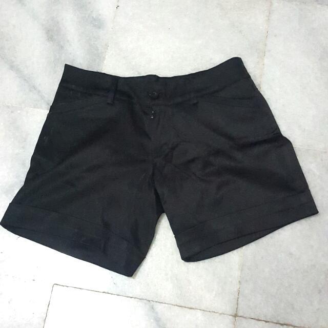 Celana Pendek NEW
