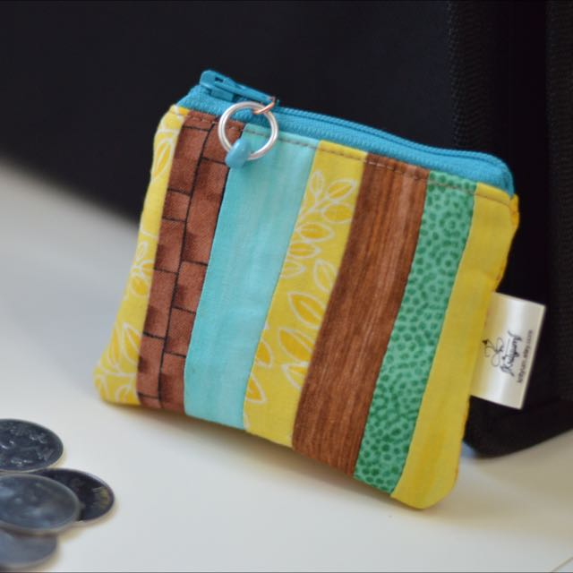 Coin pouch, notion pouch, stich markers pouch, wonder clip pouch, small zip pouch, small zippered pouch, one of a kind, quilted pouch