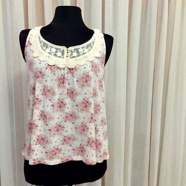 Forever21 Light Pink Floral Crochet Top
