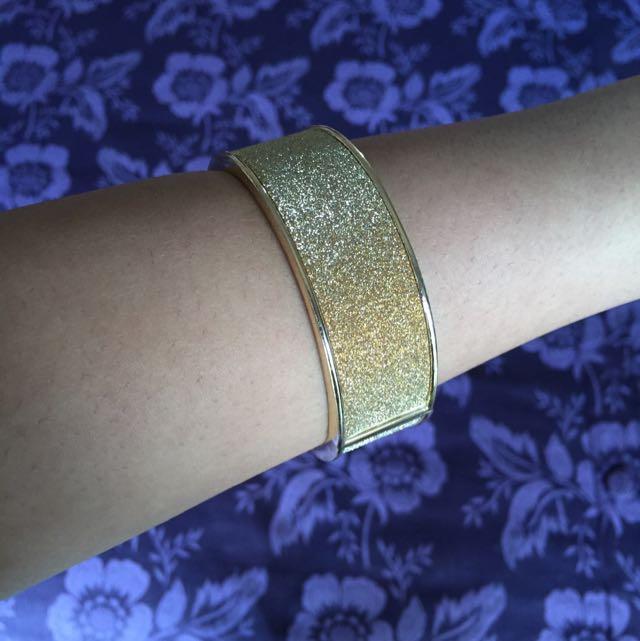Gold Colette Bangle