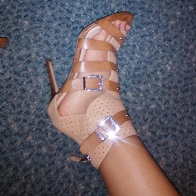 Guess Heel Size9