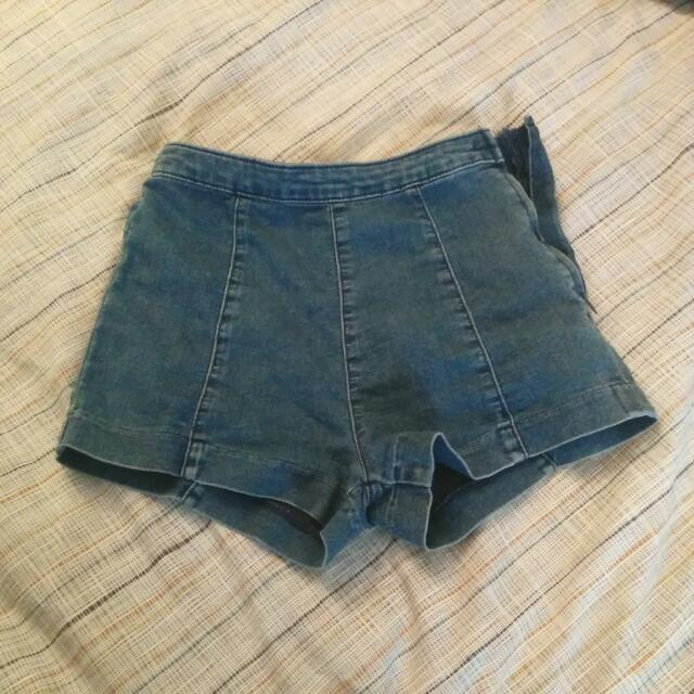 H&M Booty Shorts Almost New Condition