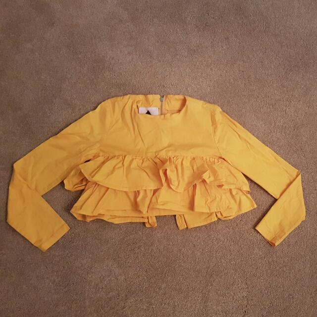 House Of Cards Yellow Ruffle LS Crop Top Sz 6