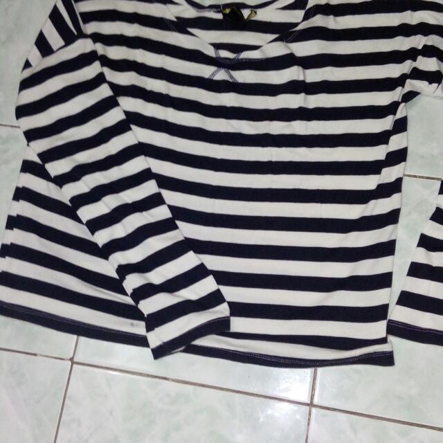 Long Sleeve Semi Crop Top