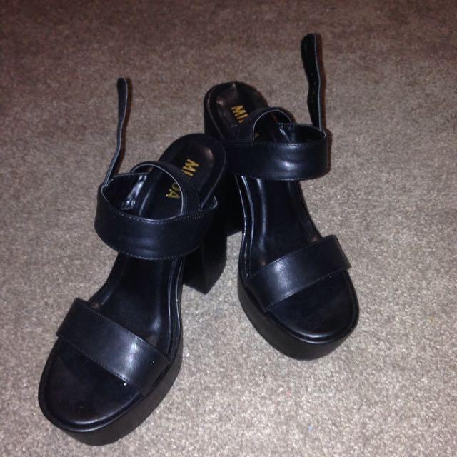 Mikoa Black Heels