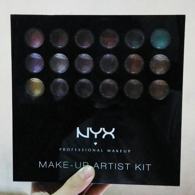 Nyx Make Up Artist Kit