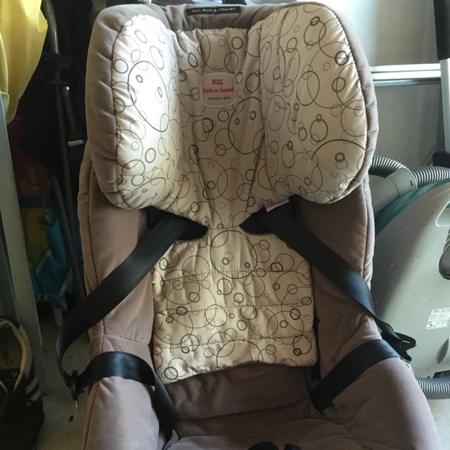 Safe AnD Sound CAR BABY SEAT GOOD CONDITION