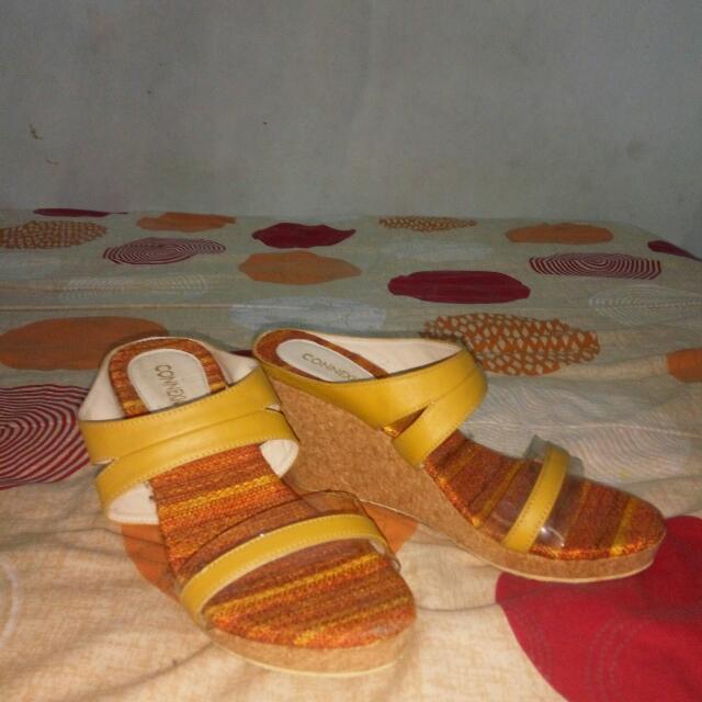sandal conextion masih bagus bngt ..baruu sekali pake..