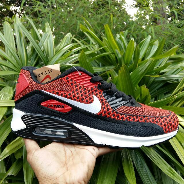Sepatu Nike Air Max 90 Pria 4740b4f5fe