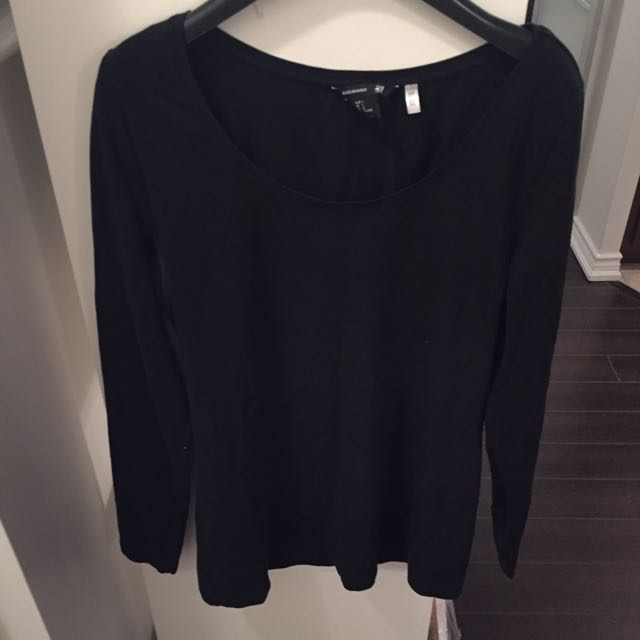 Simple Black 3/4 Sleeve Shirt