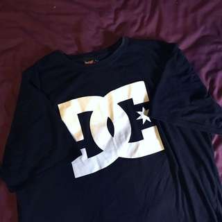 BLACK DC SHIRT