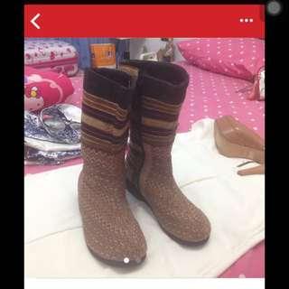 Boots Saroong Thailand