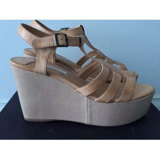 NEW Tony Bianco LEATHER WEDGES - SANDALS SIZE 8.5