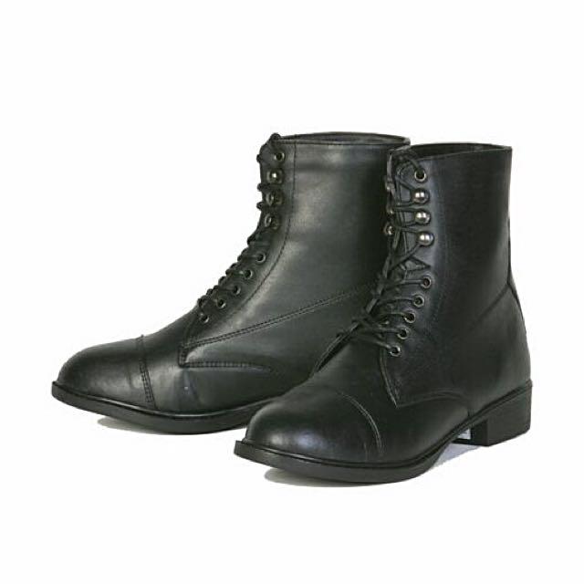 Auken Horseback Riding Boots, Youth Size 1, EUC
